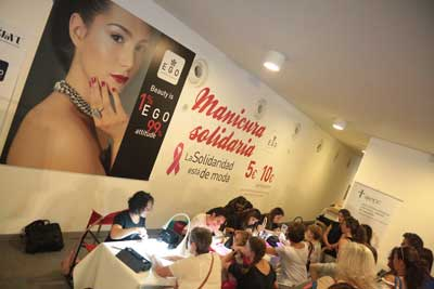 Manicuras solidarias en la Navarra Fashion Week
